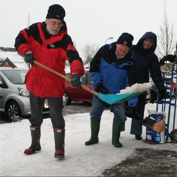 Mixed gender snow wardens - winter 2012/13
